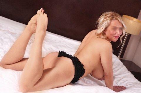 knul kontakt escort massage stockholm