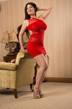 went to see Curvy Nina ,and wow what a lady, she was...